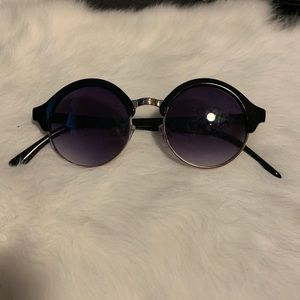 Round black sunglasses